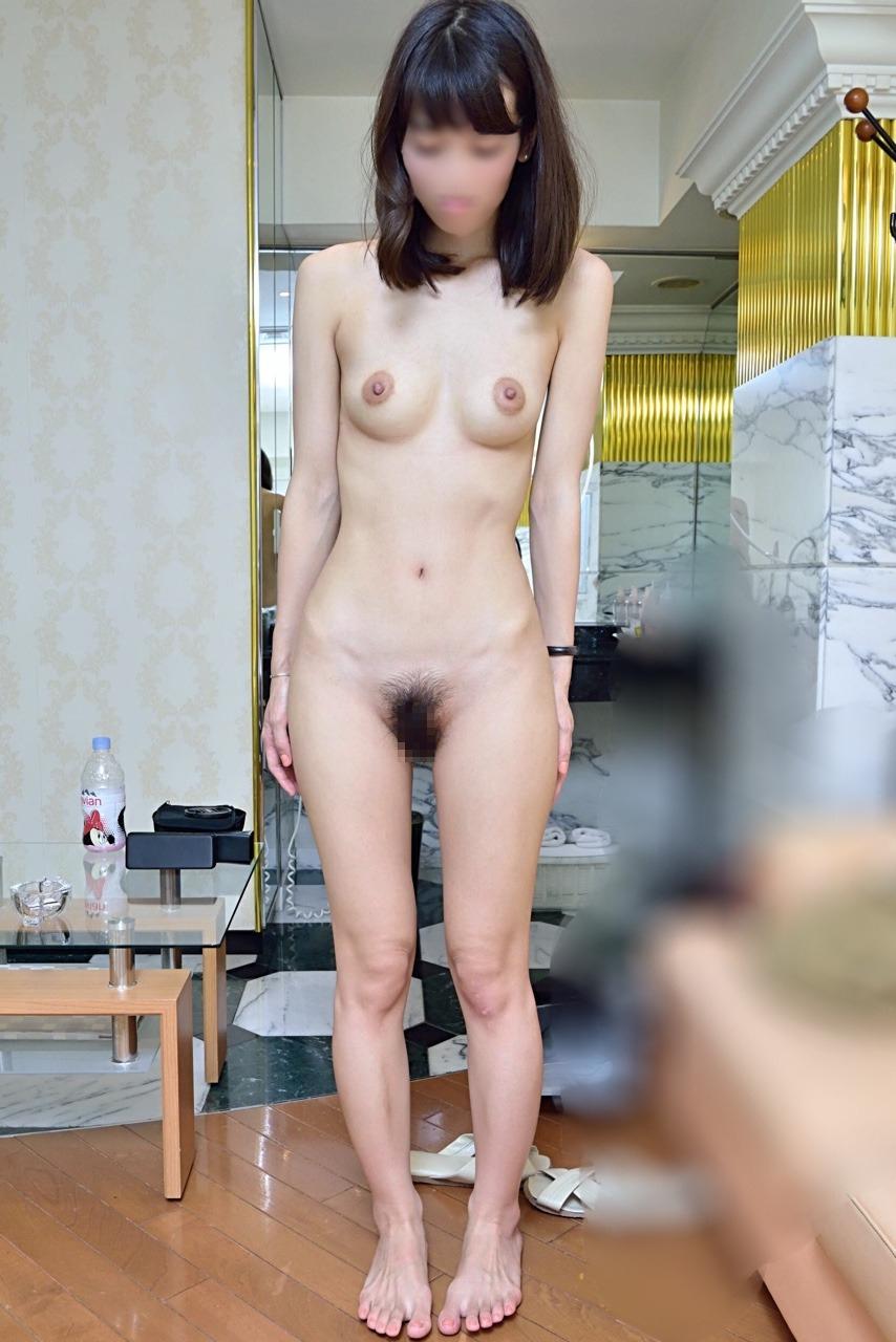 スレンダー素人美女をホテルでハメ撮りした画像 6