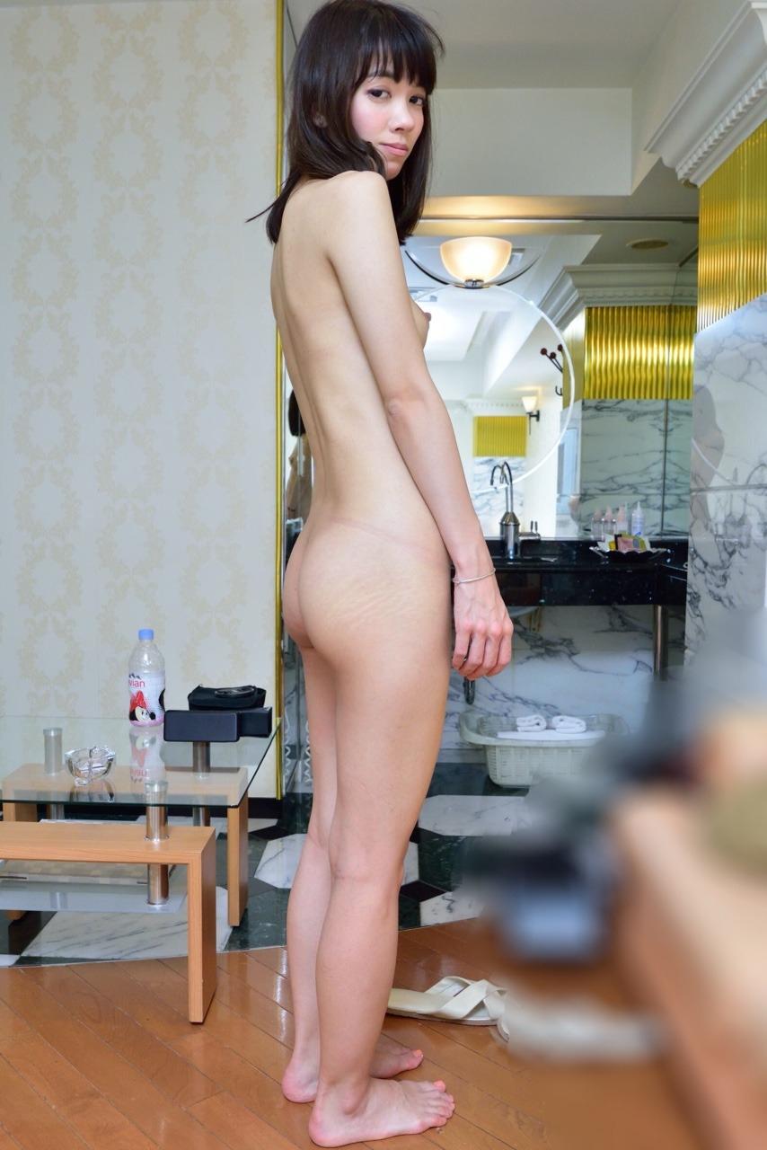 スレンダー素人美女をホテルでハメ撮りした画像 8