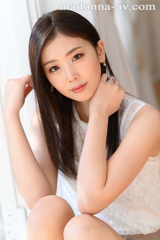 美しすぎて、目を合わせられない―。 小松杏 30歳 AV DEBUT ミステリアスな色気を放つ『アンニュイ系』超大型新人―。 1