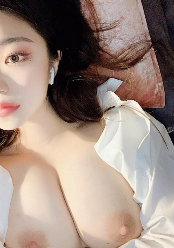 巨乳な韓国素人美女のヌード画像 6