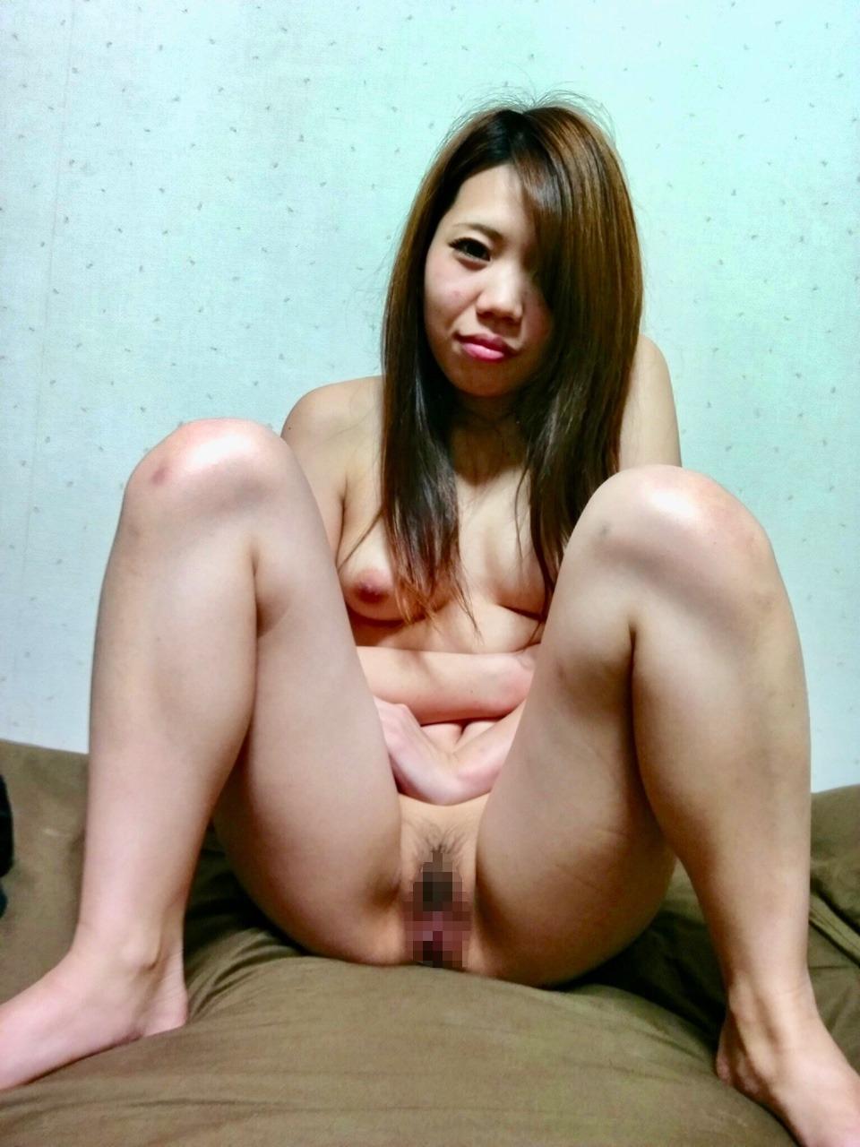 キュートなガールフレンドのプライベートヌード画像 8