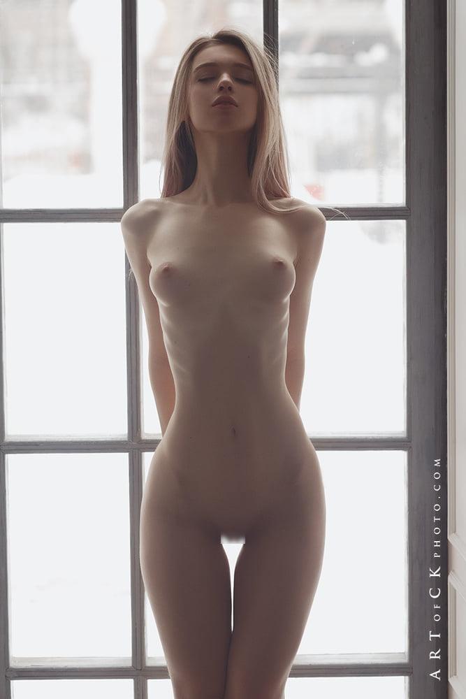 ロシア美女モデル Anna Tsaralunga ヌード画像 9