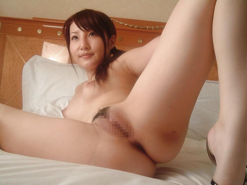 美乳&美マンな素人美女をホテルで撮影したヌード画像 7