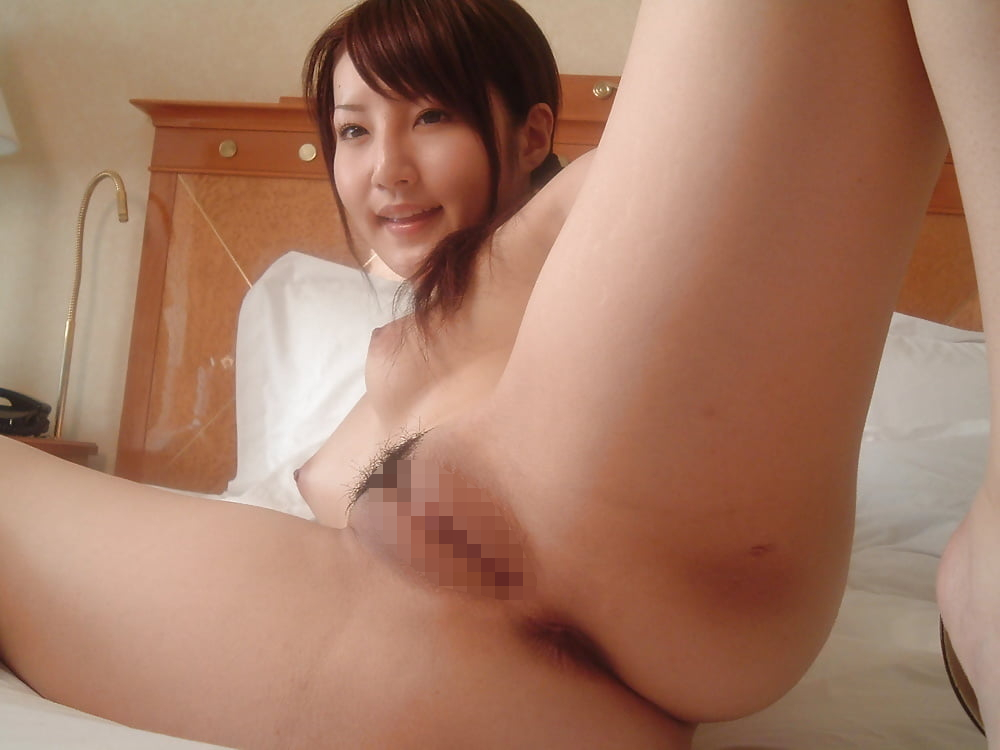美乳&美マンな素人美女をホテルで撮影したヌード画像 8