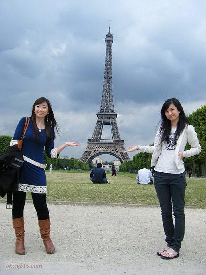 フランス留学中の美人女子大生の流出顔射ヌード画像 1