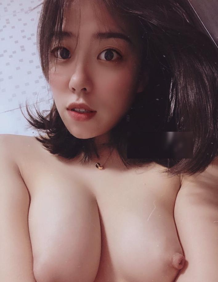 清楚な見た目の彼女のエロい画像 5