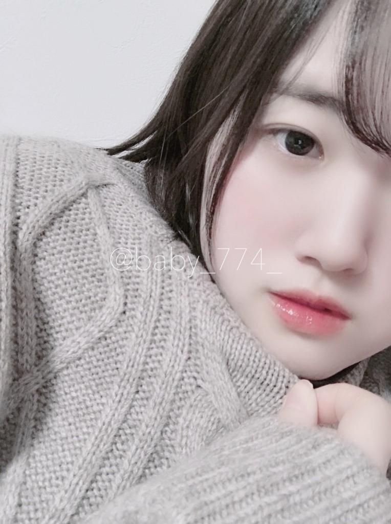 色白美乳な素人美少女のマシュマロおっぱい自分撮り画像 1