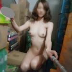 スレンダー美女の自分撮り&野外露出ヌード画像
