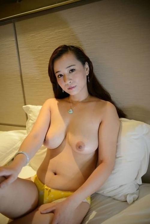 嫁のヌード画像 8
