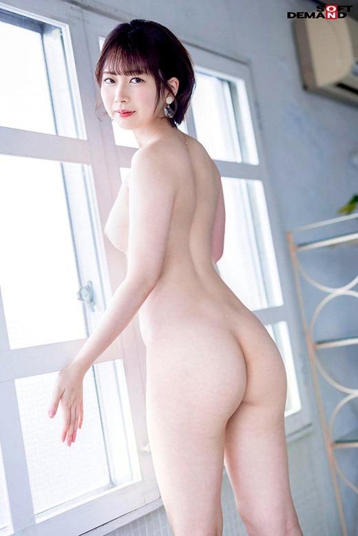 香椎佳穂 画像 04