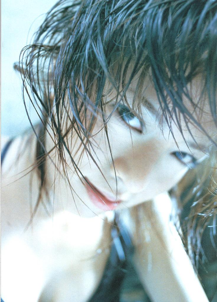 釈由美子8