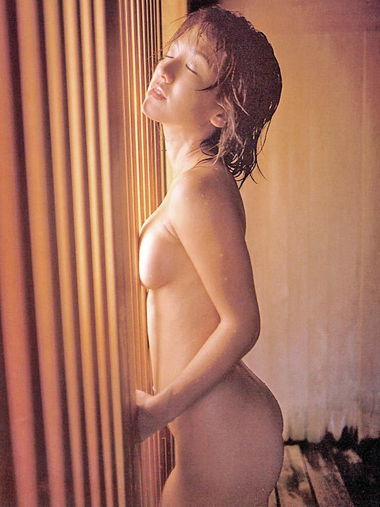 坂木優子64