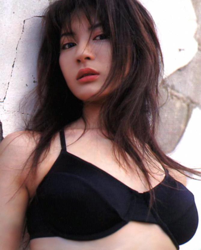 新山千春31