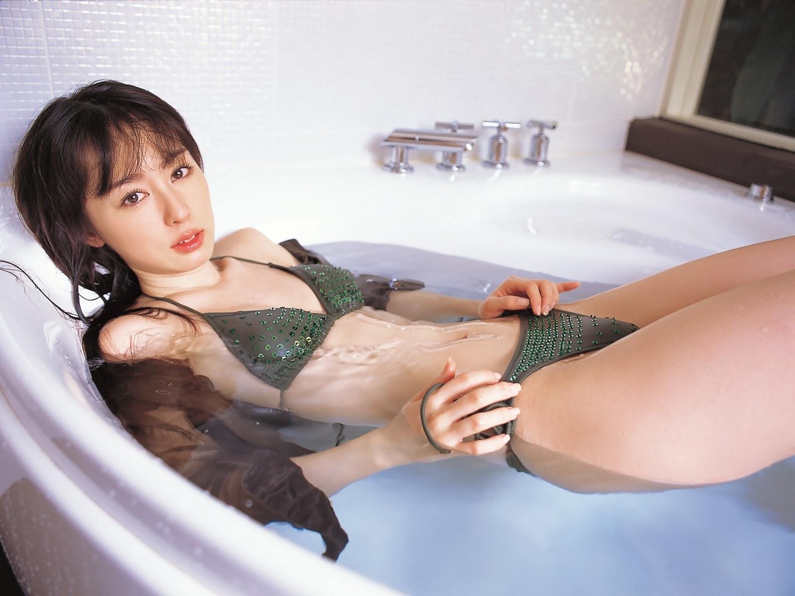 秋山莉奈96