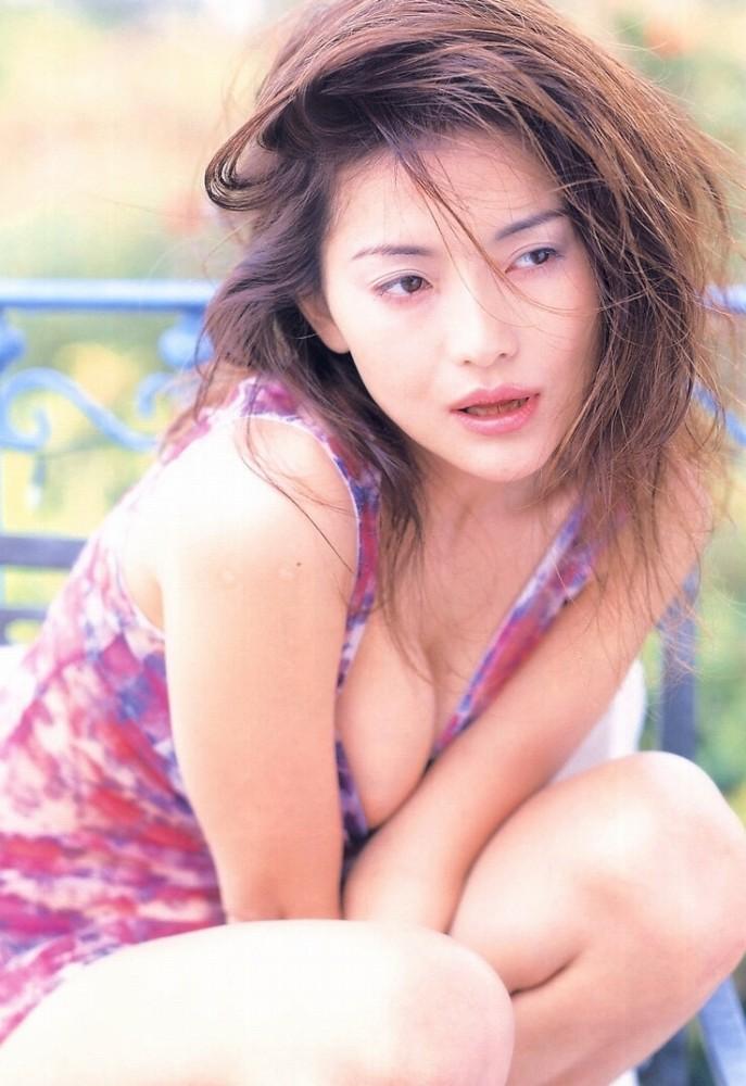 青田典子47