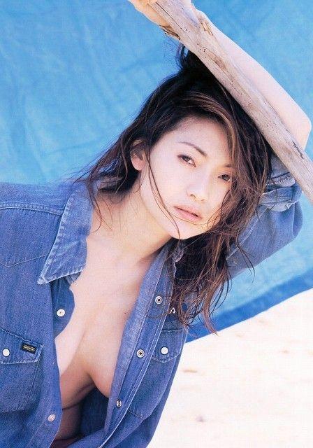 青田典子52
