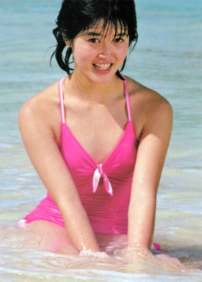 荻野目洋子48