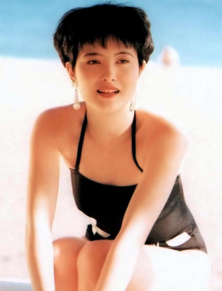 荻野目洋子54