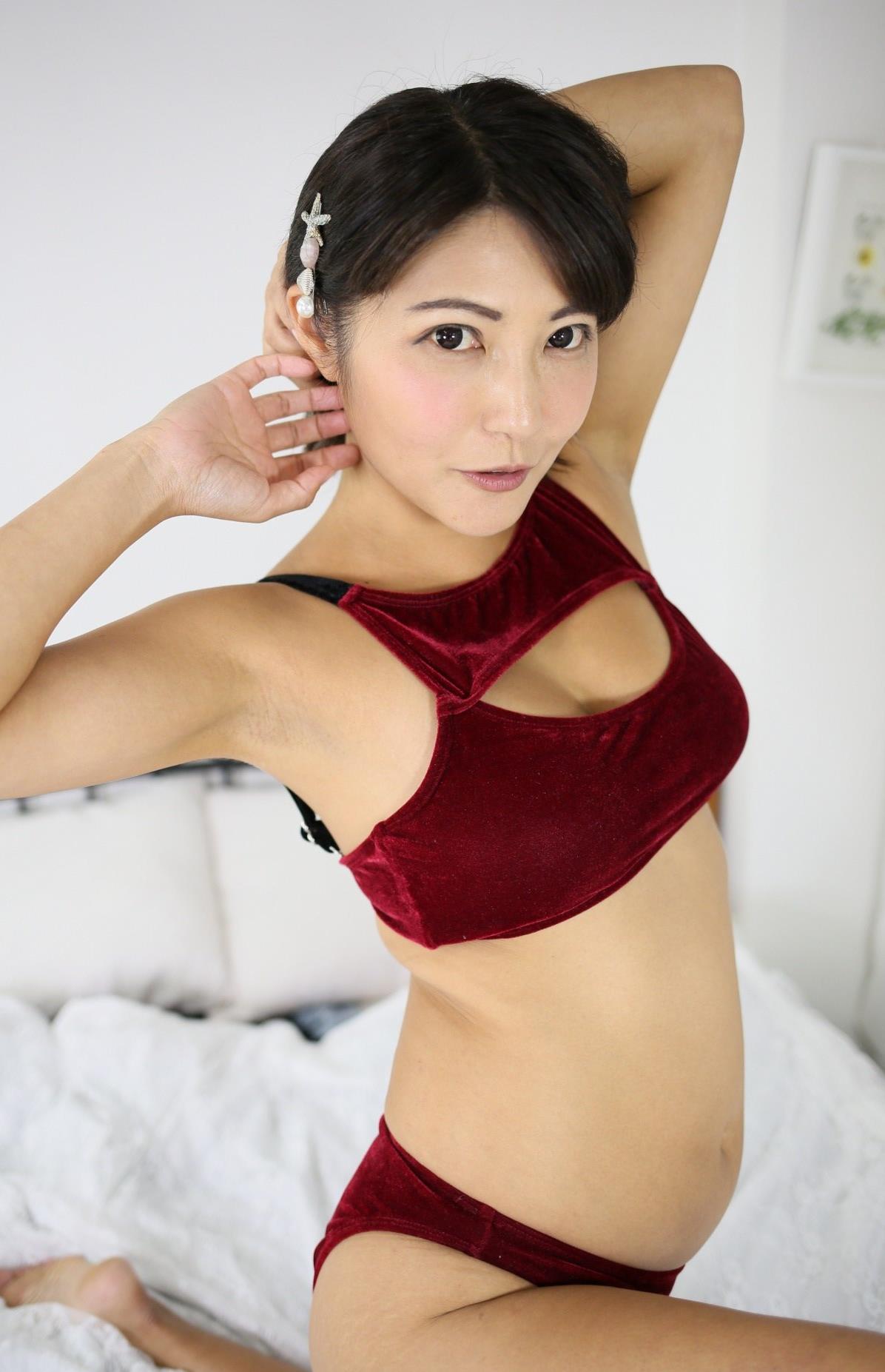 今村知可のジョリ腋 (14)