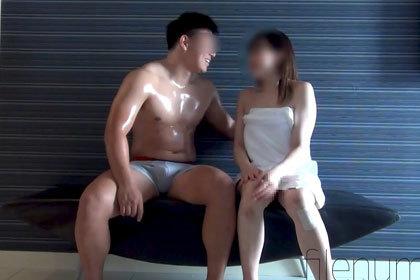 バルキー男子♂ラブホ美女密会Part20.jpg