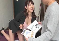 【痴女】爆乳生保レディのノーブラノーパン誘惑!1