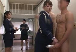 【M男】CFNM 手コキ 女性看守 精液採取!1